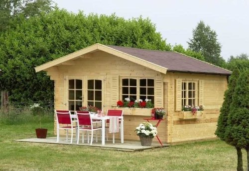 Outdoor Gartenhaus / Blockbohlenhaus Marius Sockelmaß: 390 x 390 cm Dachstand: 438 x 480 cm Wandstärke: 40 mm Rauminhalt: 37 cbm Ausführung: naturbelassen Material: Massivholz