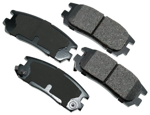 (Akebono ACT580 ProACT Ultra-Premium Ceramic Brake Pad Set)