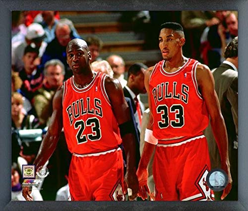 Michael Jordan & Scottie Pippen Chicago Bulls NBA Photo (Size: 12