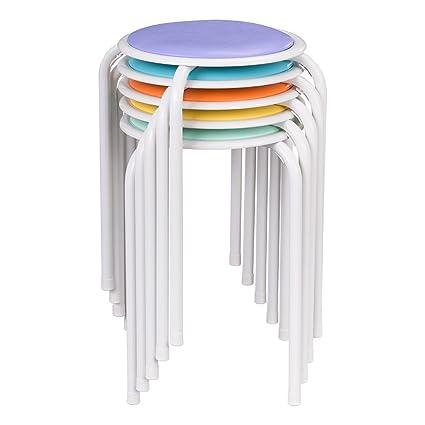Taburetes de metal apilables en distintos colores con asiento ...