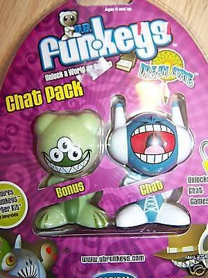 (Ship from USA) Chat Pack of 2 UB Funkeys Holler Boggle Computer Game Figures New -ITEM#: - Figure Funkeys