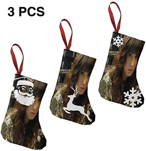 クリスマスの日の靴下 (ソックス3個)クリスマスデコレーションソックス Demi Lovato クリスマス、ハロウィン 家庭用、ショッピングモール用、お祝いの雰囲気を加える 人気を高める、販売、プロモーション、年次式