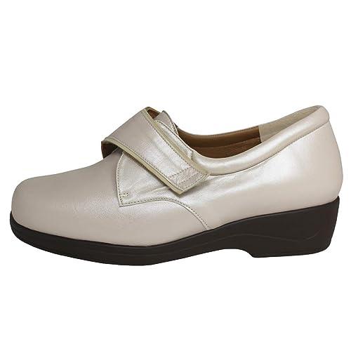 832a339b CARI FALCÓ - Zapato ortopédico Especial para pies delicados y para  incorporar Plantillas ortopédicas. Tiene una Horma de Ancho 14. Mod.