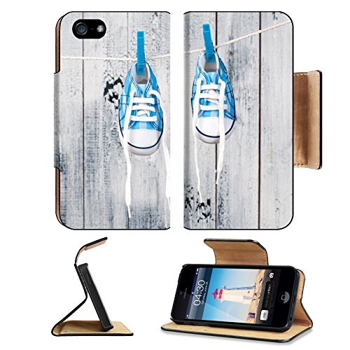 liili-premium-apple-iphone-5-iphone-5s-aluminum-snap-case-baby-shoes-hanging-on-the-clothesline-ipho