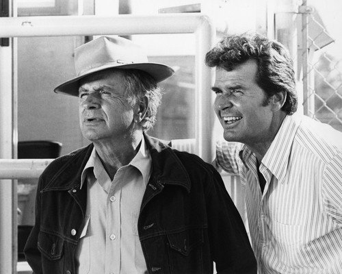 James Garner and Noah Beery Jr. in The Rockford Files great image from classic TV 8x10 Promotional Photograph