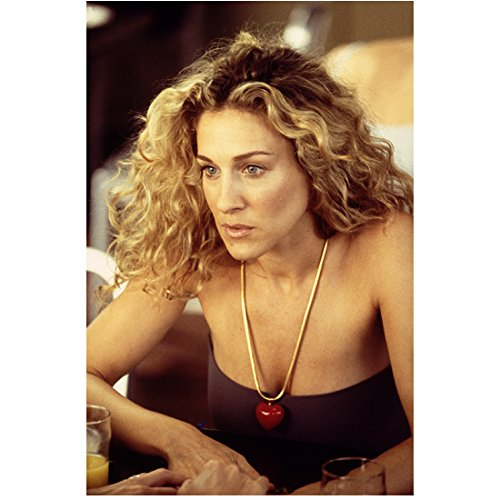 Sex and the City 8x10 Photo Sarah Jessica Parker Purple Tube Top Red Heart Necklace Looking Concerned kn ()