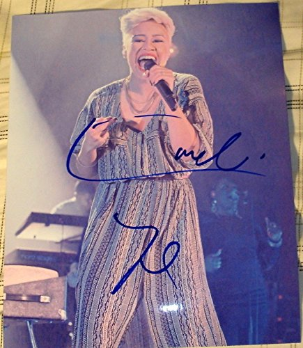 EMELI SANDE SIGNED AUTOGRAPH SEXY BRITISH SINGER ON STAGE PERFORMANCE PHOTO COA