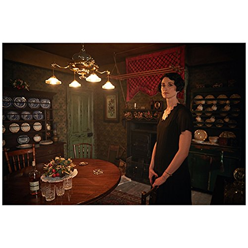Natasha O'Keeffe 8 Inch x 10 Inch Photograph Peaky Blinders (TV Series 2013 -) Standing Next to Dining Table kn ()
