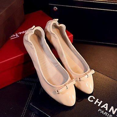 Cómodo y elegante soporte de zapatos de las mujeres pisos caída funda de piel Casual talón plano negro con lazo rojo de almendro en otros rojo