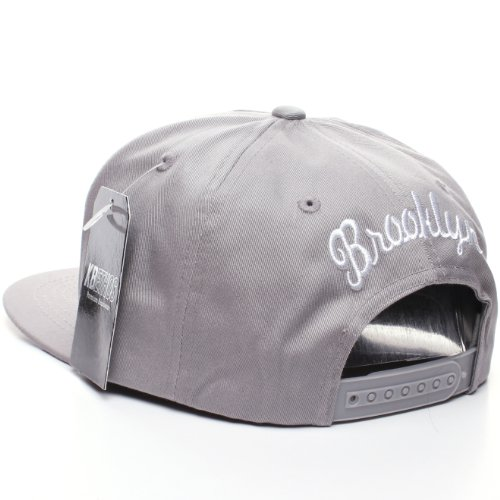 New York Brooklyn Flat Visor Script Champions Snapback Hat Cap (gray)
