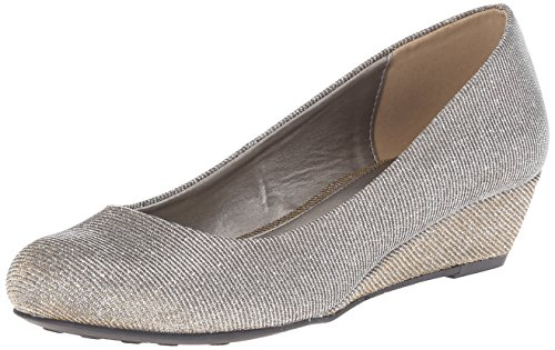 CL by Chinese Laundry Womens Marcie Wedge Pump Champagne