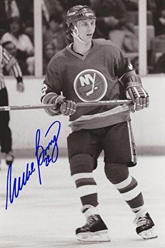 Signed Mike Bossy Photo - 8X10 w COA #5 - Autographed NHL Photos