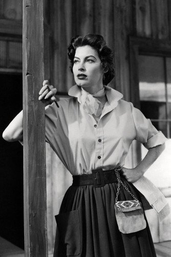 (Ava Gardner 24x36 Poster in 1950's Blouse and)
