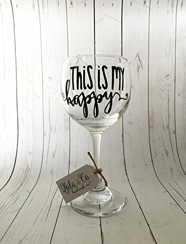 Funny wine glass sayings images for Cute quotes for wine glasses