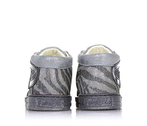 FALCOTTO - Silberner Schuh mit Schnürsenkeln, aus Leder und Stoff mit Glitzern, hinten und auf der Zunge ein Logo, seitlich dekorative Applikationen, Mädchen