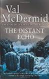 """""""The Distant Echo (Detective Karen Pirie)"""" av Val McDermid"""