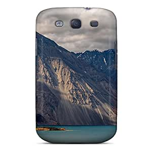 Hot Tiny Isl At The Foot Of Mighty Mountains First Grade Tpu Phone Case For Galaxy S3 Case Cover