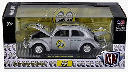 M2 Machines 1952 VW Beetle Deluxe Model (Silver Metallic w/Black & Yellow Stripes) 1:24 Scale MOONEYES 2017 Castline Premium Edition Die-Cast Vehicle & Display Base (1 of only 3,000 Pieces Worldwide)