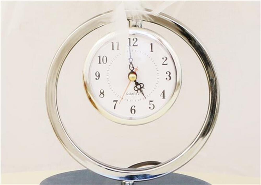 GJ- Europäische Moderne Moderne Moderne Persönlichkeit Schlafzimmer Zähler Eisen Ellenbogen Uhr Crystal Feather Tischleuchte (Farbe   E) B0796TT1VC | Billig ideal  0c406c
