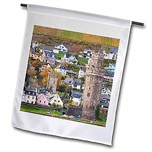 Danita Delimont–Alemania–Alemania, oberwesel, Torre de Reloj por el río Rhein, otoño–banderas