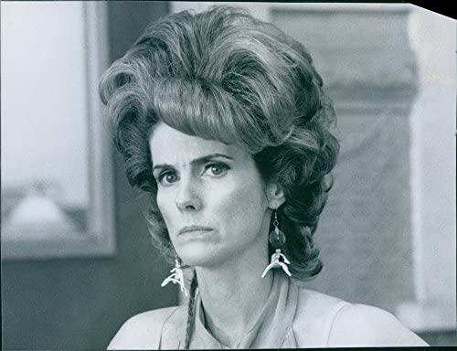 Amazoncom Vintage Photo Of Actress Julie Hagerty As Flo From The