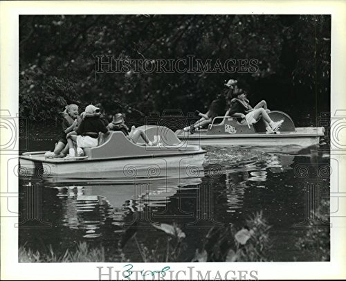 1993 Press Photo Kids in Paddle Boats in the City Park Lagoon, New Orleans