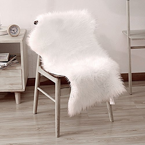 Accent Throw Rug (LEEVAN Faux Fur Rug Supersoft Plush Fluffy Chair Cover Sheepskin Rug Seat Cover Shaggy Throw Floor Mat Carpet Accent Rugs- 2 ft x 3 ft, Ivory White)