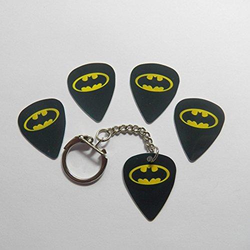 4 BATMAN MIX & 1 Keyring Guitar plectrum picks superhero gotham cape KEYCHAIN