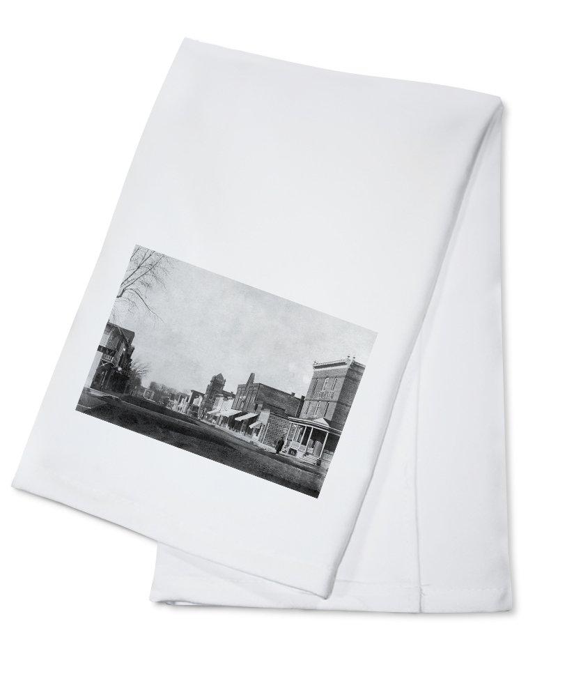 Belmond, Iowa - View of the Hotel Case, Bank Bldg (100% Cotton Kitchen Towel)