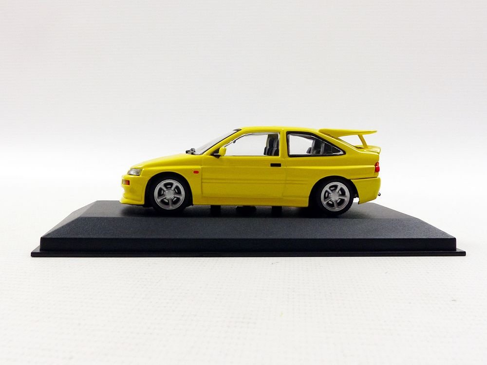 Minichamps 940082101 1992 Ford Escort Cosworth - Juguete Fundido, Color Amarillo, Escala 1:43: Amazon.es: Juguetes y juegos