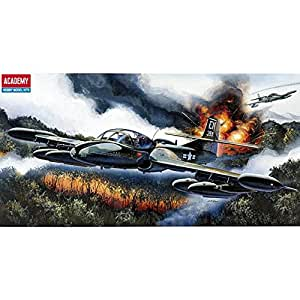 [12461] Academy Plastic Modelismo Aeromodelismo 1/72 A-37B DRAGON FLY