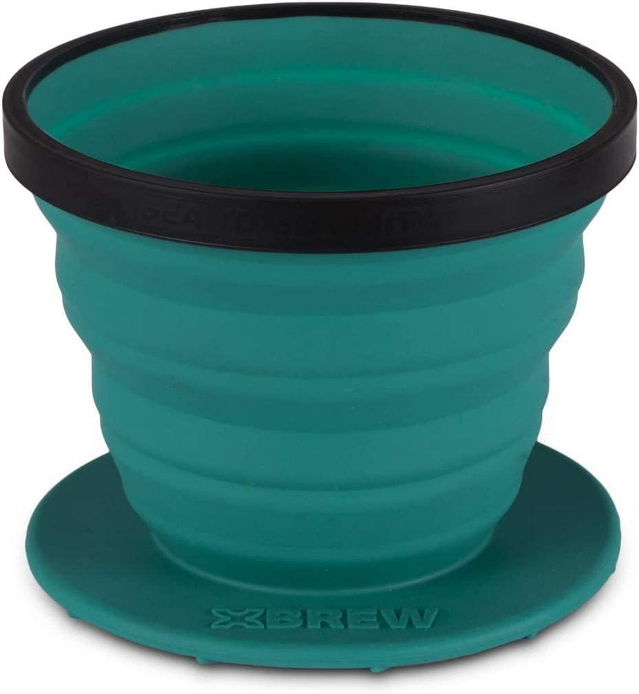 Photo of the collapsible coffee dripper in turquoise color.