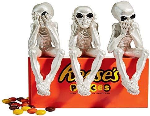 Speak-No Alien Lifeform Sitting Statue Hear-No Design Toscano CL6635 See-No