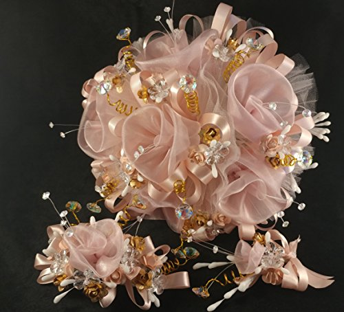 - Beautiful Girly Elegant 15th Quinceañera Pink. Blush color. Flower Bouquet Set And Corsage, Ramo Para Quinceañera. 15 Anos