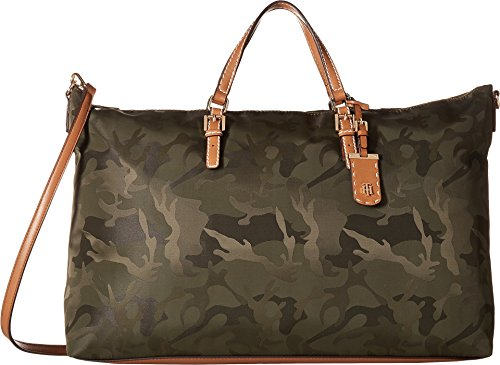 Tommy Hilfiger Women's Julia Camo Nylon Weekender Olive One Size by Tommy Hilfiger