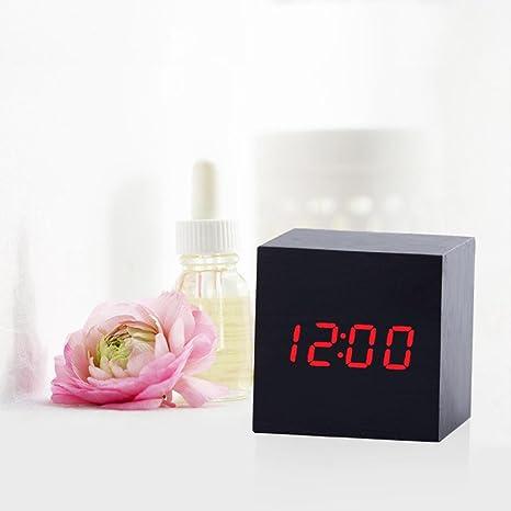 Reloj Despertador Digital STRIR Despertador LED Cubo , Despertador de Madera con Activación por Sonido,
