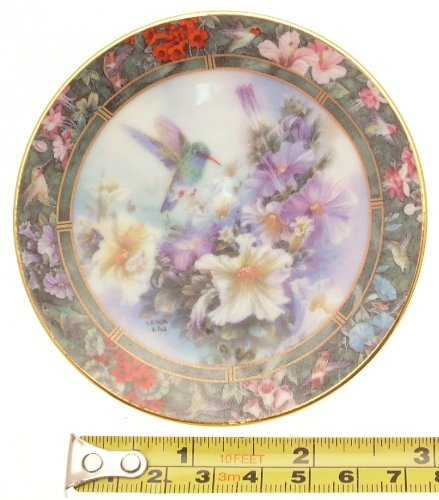 The Broad Billed Hummingbird Lena Liu miniature plate ()