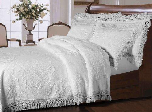 La Rochelle Antique Collection Hyde Park Bedspread, Full, White