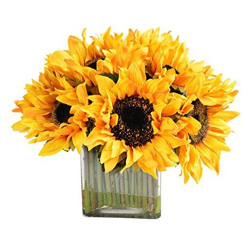 Creative Displays Sunflower Bouquet in Glass Vase