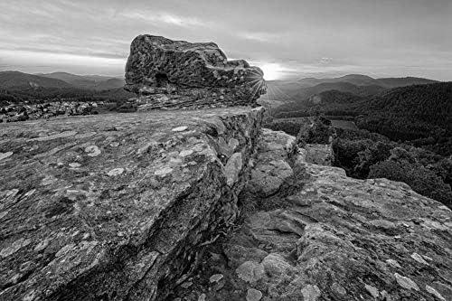 空に向かって昇る岩山の頂上の岩壁紙-自然壁紙-#51585 - 白黒の キャンバス ステッカー 印刷 壁紙ポスター はがせるシール式 写真 特大 絵画 壁飾り75cmx50cm