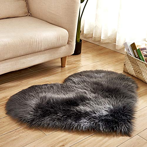 Lovehouse Faux Sheepskin Area Rug, Shaggy Carpet Mat Non Slip Bedside Rugs for Bedroom,Heart Shaped Decorative Mat for Floor Sofa Living Room-Black 40x50cm(16x20inch)
