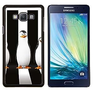 Qstar Arte & diseño plástico duro Fundas Cover Cubre Hard Case Cover para Samsung Galaxy A7 A7000 (Sly pingüino)