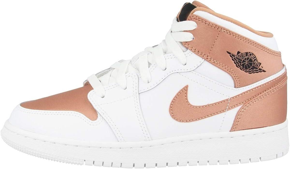 Resaltar Masacre fiabilidad  Amazon.com: Nike Girls Air Jordan 1 Mid GS Fashion Sneakers (7): Shoes