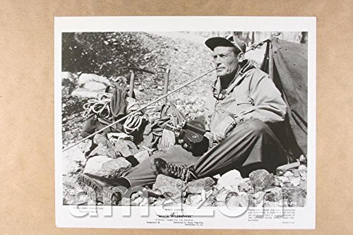 Vintage-Photo-of-MAN-WITH-CLIMBING-GEAR-White-Wilderness-NB699