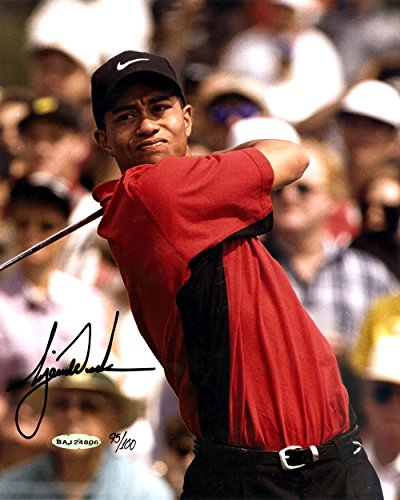 Tiger Woods Autographed 8x10 Photo 1997 Masters LE #95/100 UDA (Tiger Woods Autographed Photo)