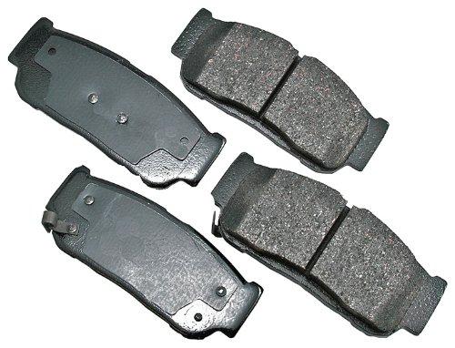 Akebono ACT954 ProACT Ultra-Premium Ceramic Rear Brake Pad Set For 2003-2009 Hyundai Santa Fe or Kia Sorento