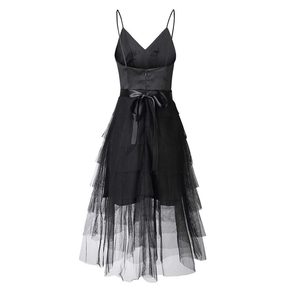Vestido de noche con tirantes. Falda con volantes en capas.