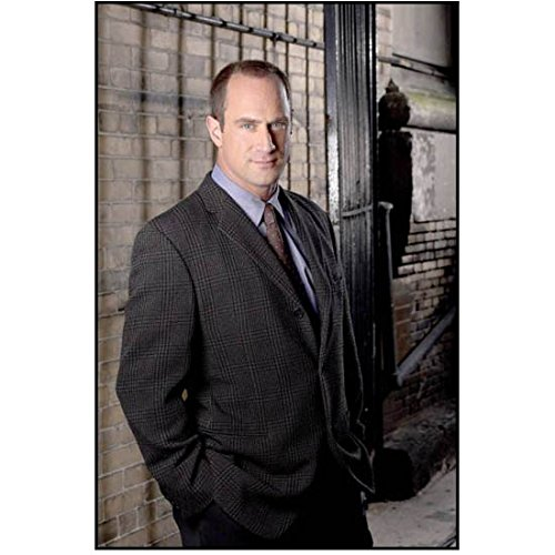Law & Order SVU Dectective Stabler standing with hands in pockets 8 x 10 Inch Photo