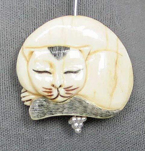 Schimshawed! Kitty Cat Carved Waterbuffalo Bone Focal Bead 4115H