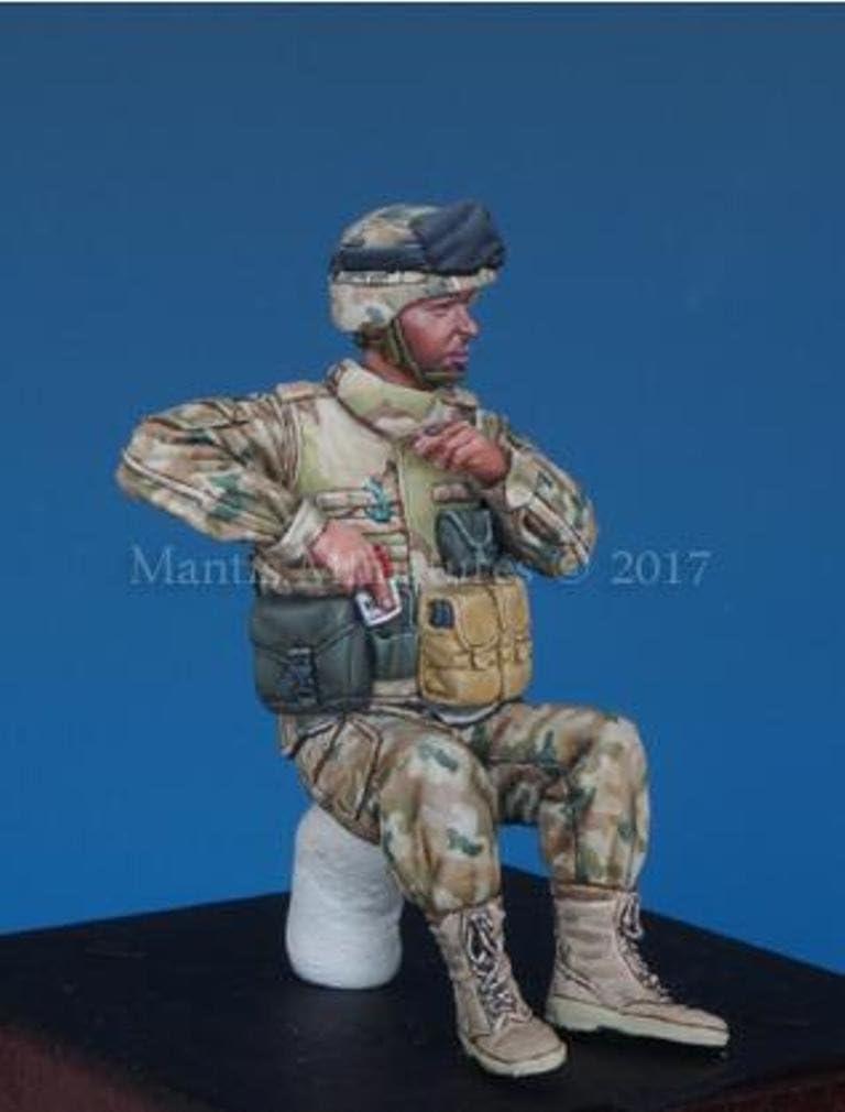 Mantisミニチュア1 : 35 Polish Soldier # 1 APCクルー – 樹脂図キット# 35102